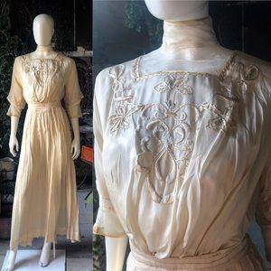 Dresses & Skirts - Edwardian Silk Tea Dress